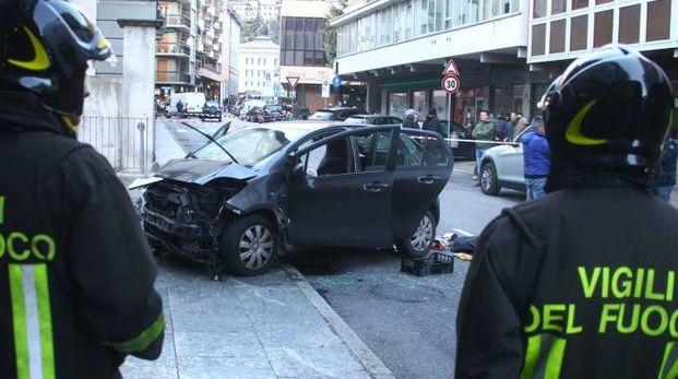 L'auto in piazza Garibaldi