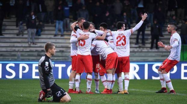L'esultanza del Perugia dopo il gol di Bonaiuto (LaPresse)