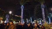 Le luminarie osè nei giardini di piazza XX Settembre hanno scatenato la polemica e fatto partire i tormentoni sui social (Foto De Marco Palombi)
