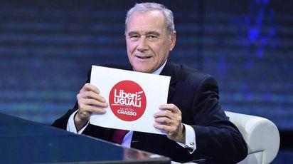 Pietro Grasso presenta il simbolo di 'Liberi e Uguali' in tv da Fazio (Ansa)
