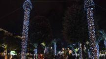 Le luminarie dei giardini di piazza XX Settembre (foto De Marco)
