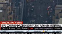 New York, esplosione a stazione bus