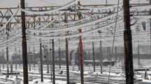 Maltempo, il gelo sulla rete ferroviaria (foto Ansa)
