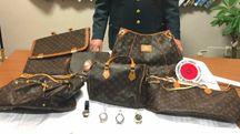 Borse e orologi contraffatti sequestrati al mercatino di Cervia