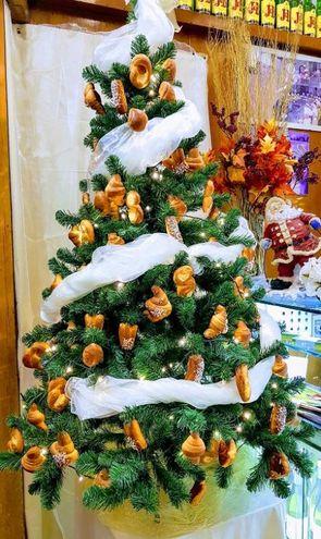 """Il """"dolce albero"""" della pasticceria Marchionne. Foto di Riccardo Marchionne"""