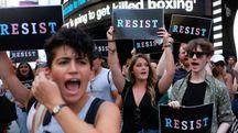 Usa, protesta contro la politica di Trump sui trans (Afp)