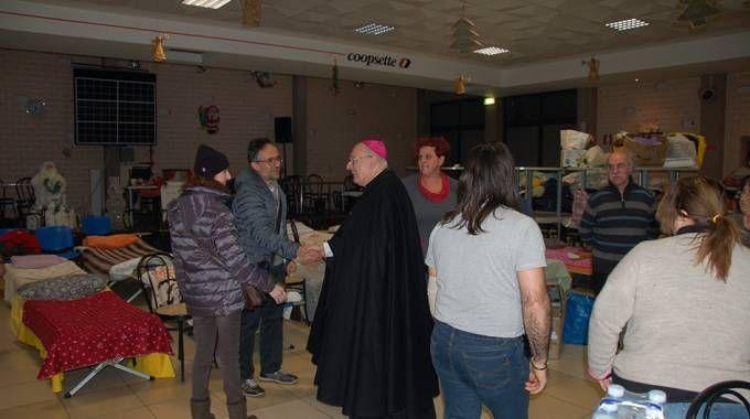 Il vescovo incontra gli sfollati