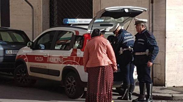 Il Comune chiede il Daspo urbano per la zingara multata