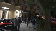 Carabinieri nella casa di Ramacca dove abitavano le due donne uccise (Ansa)