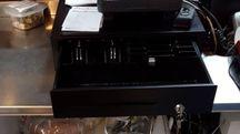 Il registratore di cassa del ristorante  «Primo Piatto» depredato dai ladri