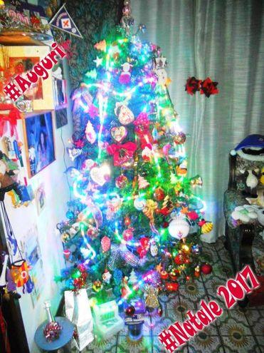 """""""Che porti un po' di serenità a tutti. Un lieto Natale 2017 da Mascia, Licia e Nina"""""""