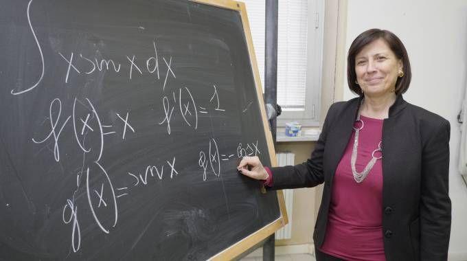 Lorella Carimali insegna matematica e fisica (Newpress)