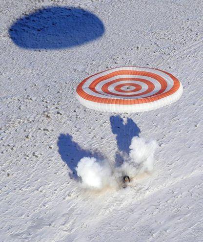 Il momento dell'impatto della Soyuz (Ansa)