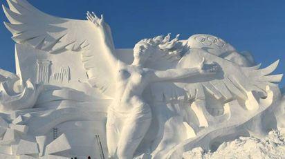 Cina, lo spettacolo delle sculture di ghiaccio di Harbin