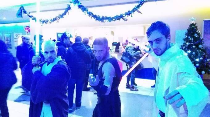 Cosplayers per la prima di Star Wars al Cinedream di Faenza