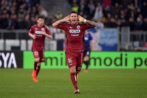 Bartolomei esulta per il gol del 3-1 (Lapresse