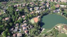 Il lago di Montepiano visto dall'alto