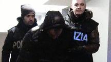 Uno degli arrestati nell'operazione della squadra mobile