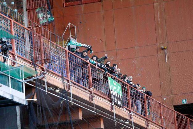 I tifosi del Sassuolo allo stadio Luigi Ferraris di Genova (foto LaPresse)