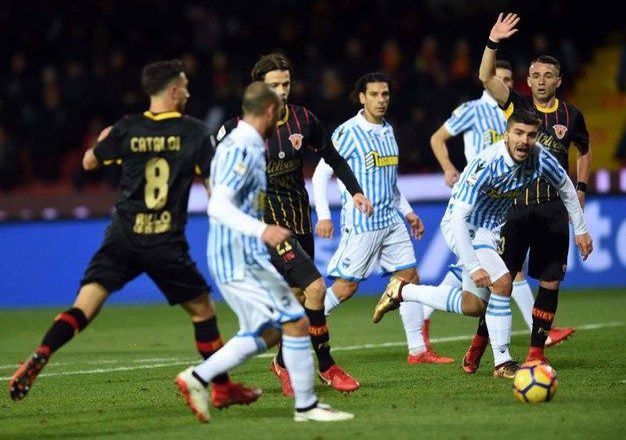 Gol annullato a Paloschi per fuorigioco di Schiattarella (foto Businesspress)