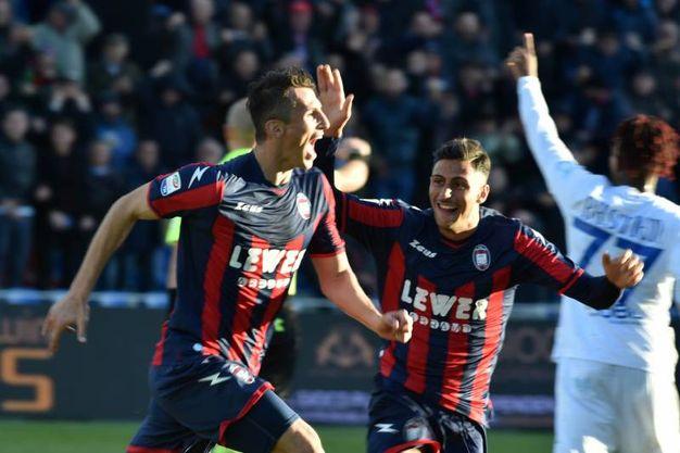 Crotone-Chievo 1-0, Budimir (Lapresse)