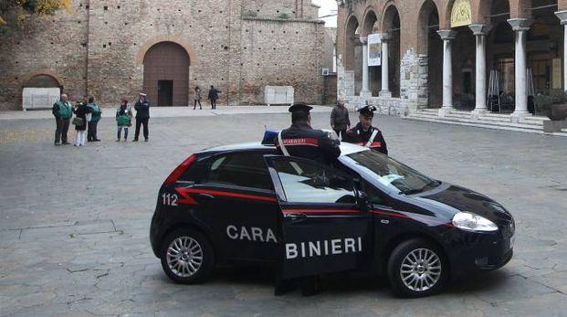 Un'auto dei carabinieri (Foto d'archivio Zani)