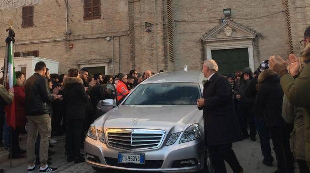 Il funerale di Samuele Cascone (foto Luciani)
