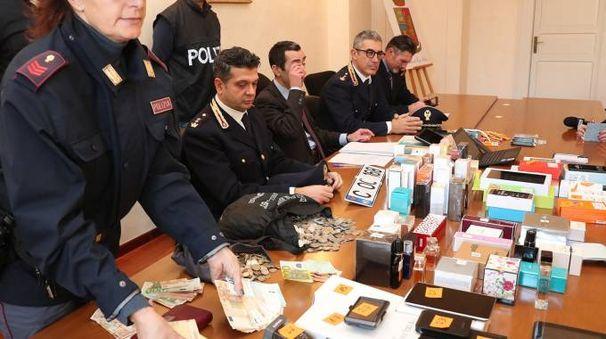 La conferenza stampa della polizia (Foto Fotoprint)