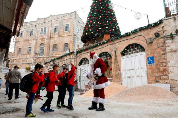 Babbo Natale a Gerusalemme (Afp)