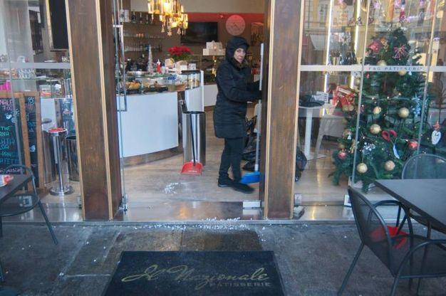 Il bar Nazionale di piazza del Popolo è finito nel mirino dei ladri (Foto Corelli)
