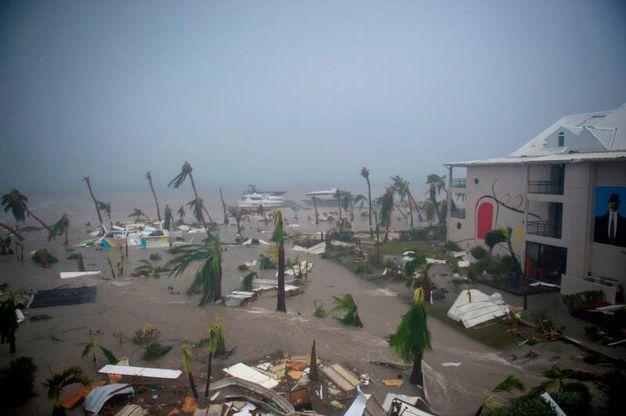 6 settembre: l'uragano Irma si abbatte sui Caraibi