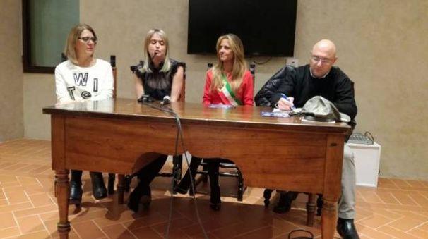 Elena Favilli durante la presentazione del suo bestseller a Montevarchi