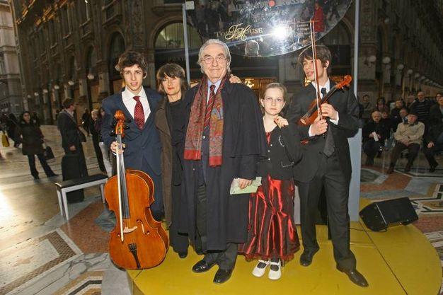 Festa di compleanno per Gualtiero Marchesi in Galleria Vittorio Emanuele a Milano, nel 2009 (Newpress)