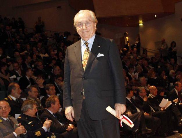 Ambrogino d'Oro per Gualtiero Marchesi nel 2010 (Newpress)