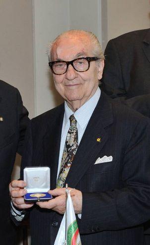 Gualtiero Marchesi e 'Il Marchesino', cerimonia di premiazione del Grand Prix de l'Art e de la cuisine nel 2017 (Newpress)
