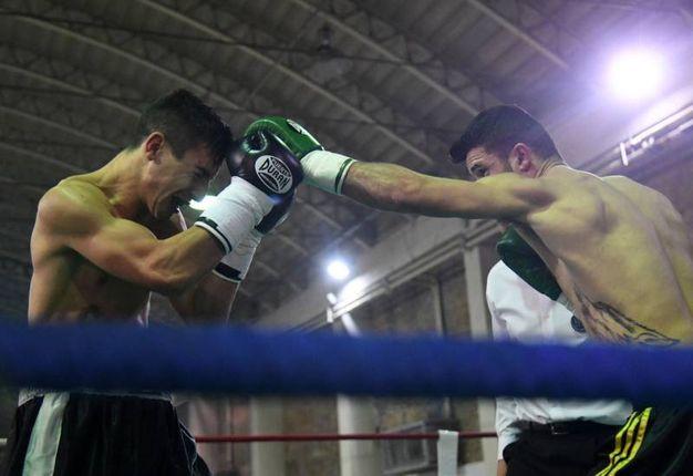 Arblin Kaba (Boxe Le Torri) affronta il serbo Milovan Dragojevic (foto Schicchi)