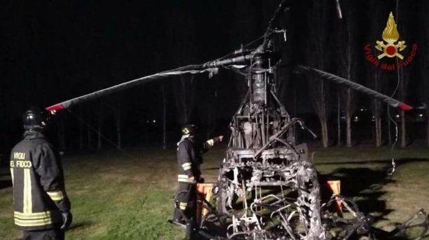 L'elicottero incendiato