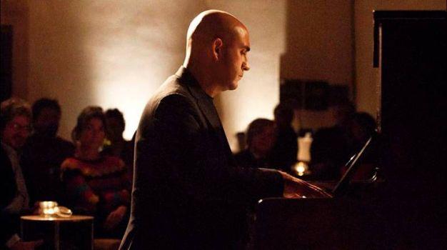 Daniele Furlati al pianoforte