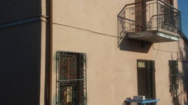 L'abitazione svaligiata dai ladri
