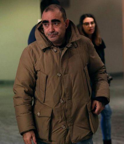 Il cantante Elio alla camera ardente di Gualtiero Marchesi (foto Ansa)