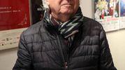 Lo chef Ezio Santin, tre stelle Michelin, visita la camera ardente di Gualtiero Marchesi (foto Ansa)
