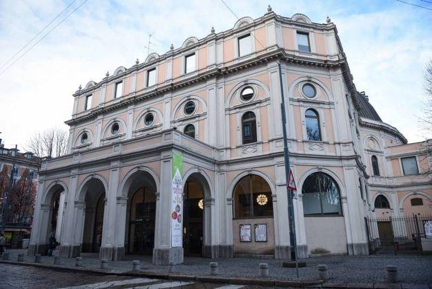 Camera ardente di Gualtiero  Marchesi al Teatro Dal Verme: l'omaggio di autorità, familiari e amici (foto Lapresse)