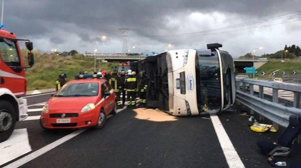 L'incidente all'alba sulla Salerno-Reggio Calabria