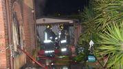 I vigili del fuoco sul luogo dell'incendio (Umicini)