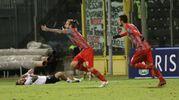 Cremonese-Cesena, Paulinho segna ed esulta (foto LaPresse)