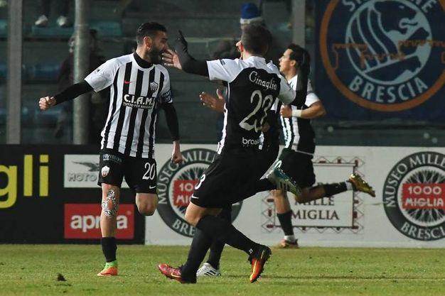 Brescia-Ascoli, Buzzegoli esulta il dopo gol vittoria (foto LaPresse)