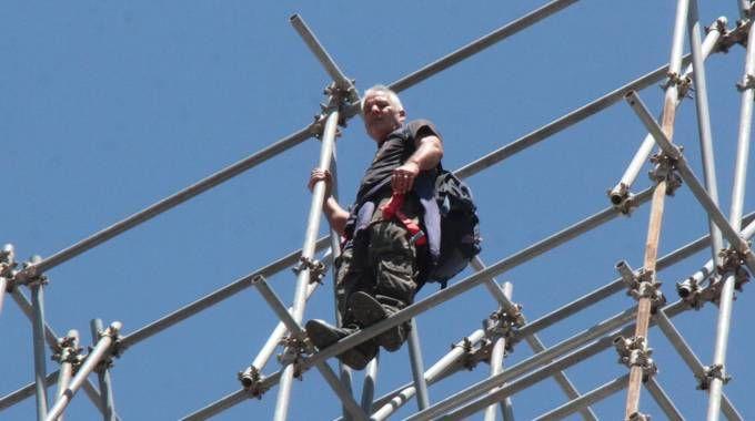 Rosario Giangrasso a luglio scorso salì per protesta sulle impalcature del Duomo