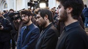 Folla e commozione ai funerali di Gualtiero Marchesi: i nipoti (foto Lapresse)