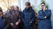 Folla e commozione ai funerali di Gualtiero Marchesi: al centro lo chef Davide Oldani (foto Lapresse)
