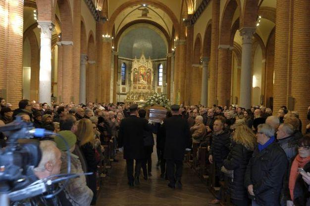 Chiesa gremita per i funerali di Gualtiero Marchesi  (foto Newpress)